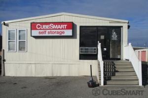 Image of CubeSmart Self Storage - Philadelphia - 456 North Christopher Columbus Boulevard Facility on 456 North Christopher Columbus Boulevard  in Philadelphia, PA - View 2