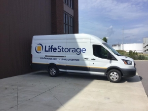 Image of Life Storage - Charleston Facility on 1540 Meeting Street  in Charleston, SC - View 3