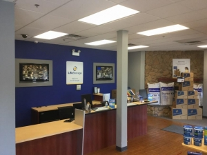 Image of Life Storage - Chicago - 4014 West Grand Avenue Facility on 4014 West Grand Avenue  in Chicago, IL - View 4