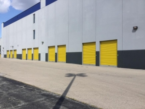 Image of Life Storage - Aurora - North Randall Road Facility on 1650 North Randall Road  in Aurora, IL - View 3