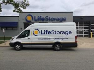Life Storage - Morton Grove
