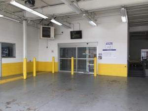 Image of Life Storage - Morton Grove Facility on 6505 Oakton Street  in Morton Grove, IL - View 2