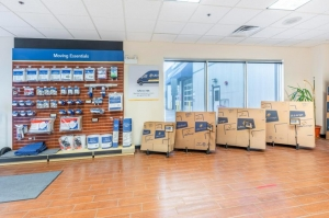 Image of Life Storage - Bridgeview Facility on 7700 West 79th Street  in Bridgeview, IL - View 3