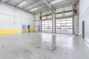 Image of Life Storage - Bridgeview Facility on 7700 West 79th Street  in Bridgeview, IL - View 2
