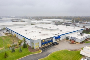 Image of Life Storage - Bridgeview Facility on 7700 West 79th Street  in Bridgeview, IL - View 4