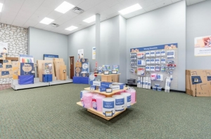 Image of Life Storage - Elgin Facility on 450 Airport Road  in Elgin, IL - View 3