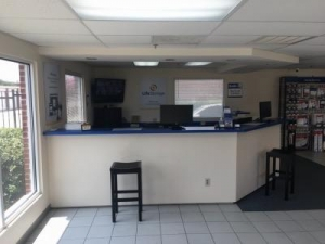 Picture of Life Storage - Plano - Coit Road