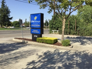 Life Storage - Sacramento - 8740 Calvine Road - Photo 2