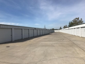 Life Storage - Sacramento - 8740 Calvine Road - Photo 4