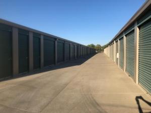 Image of Life Storage - Sacramento - Goldenland Court Facility on 55 Goldenland Court  in Sacramento, CA - View 2