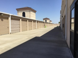 Life Storage - Sacramento - Bayou Way - Photo 4