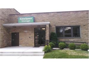 Extra Space Storage - Evanston - Greenwood St - Photo 1