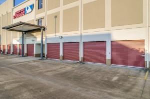 Image of Advantage Storage - Kirby Facility on 2505 Southwest Freeway  in Houston, TX - View 3
