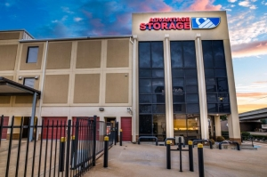 Image of Advantage Storage - Kirby Facility on 2505 Southwest Freeway  in Houston, TX - View 4