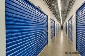 Image of CubeSmart Self Storage - Phoenix - 533 East Dunlap Avenue Facility on 533 E Dunlap Ave  in Phoenix, AZ - View 2