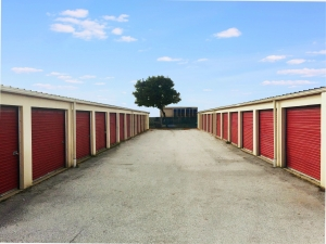 Image of Regent Mini-Storage Facility at 4562 W Woolworth Ave  Milwaukee, WI