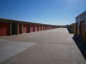 Image of Extra Space Storage - Grand Prairie - 2750 N State Hwy 360 Facility on 2750 North State Highway 360 Service Road East  in Grand Prairie, TX - View 2