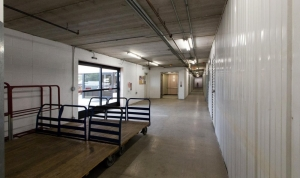 Image of Advantage Storage - Moon Valley Facility on 13845 North 7th Street  in Phoenix, AZ - View 4