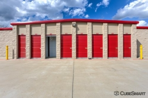 Image of CubeSmart Self Storage - Mansfield - 1587 Hwy 157 Facility on 1587 Hwy 157  in Mansfield, TX - View 2