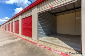 Image of CubeSmart Self Storage - Mansfield - 1587 Hwy 157 Facility on 1587 Hwy 157  in Mansfield, TX - View 3