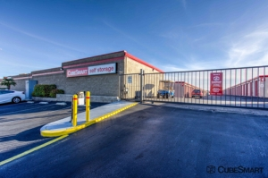 CubeSmart Self Storage - Las Vegas - 8525 W Flamingo Rd - Photo 4