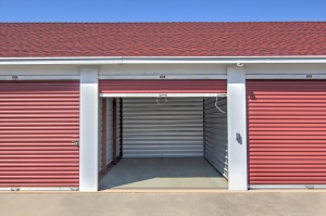 Image of Prime Storage - Midlothian Facility on 1621 HUGUENOT ROAD  in Midlothian, VA - View 4