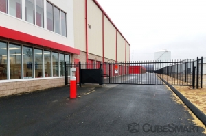 CubeSmart Self Storage - North Haven - Photo 9
