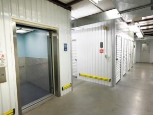 Storage Rentals of America - New Castle - 2 Bellecor Drive - Photo 7