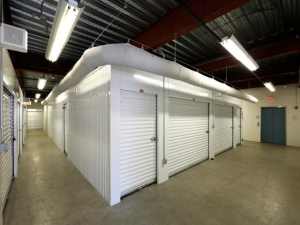 Storage Rentals of America - Wilmington - 2523 Lamotte Street - Photo 6