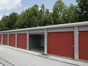 Storage Rentals of America - Bear - 100 East Scotland Drive - Photo 6