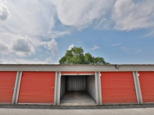 Storage Rentals of America - Bear - 100 East Scotland Drive - Photo 7