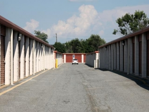 Storage Rentals of America - Newark - 101 Executive Drive - Photo 7
