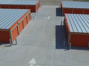 Image of DiY Storage Facility at 22101 West Maple Road  Omaha, NE