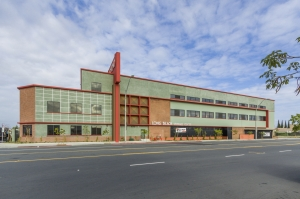 Image of Long Beach Storage Center Facility on 1700 Santa Fe Avenue  in Long Beach, CA - View 2