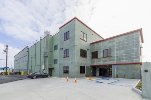 Image of Long Beach Storage Center Facility on 1700 Santa Fe Avenue  in Long Beach, CA - View 4