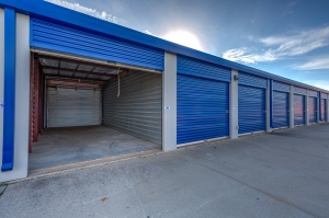 Simply Self Storage - 3015 N Service Road - Moore - Photo 4