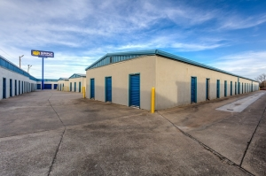 Simply Self Storage - 3401 N Bryant Avenue - Forest Park - Photo 4