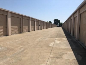 Image of Life Storage - Elk Grove Facility on 9800 Dino Drive  in Elk Grove, CA - View 3
