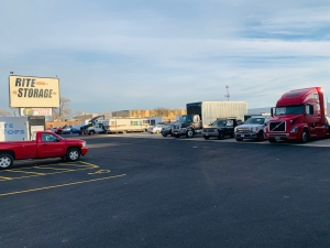 Image of Rite Storage 24-Hour Storage Facility on 2501 East Oakton Street  in Arlington Heights, IL - View 3