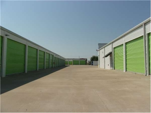 Extra Space Storage - Plano - 6600 K Ave - Photo 2