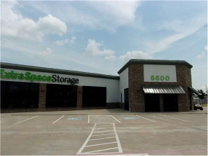 Extra Space Storage - Plano - 6600 K Ave - Photo 6