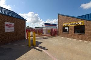 All Storage - Plaza - 425 East Pioneer Parkway - Photo 4