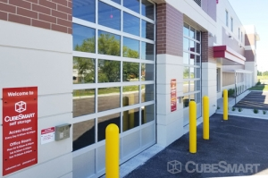 CubeSmart Self Storage - Riverwoods - Photo 5