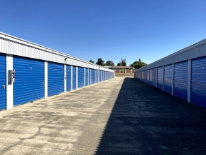 American Self Storage - Bakersfield - 8601 Kern Canyon Road - Photo 7