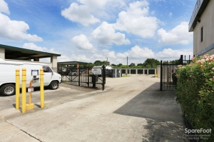 Image of Great Value Storage - La Porte - 10601 W Fairmont Pkwy Facility on 10601 W Fairmont Pkwy  in La Porte, TX - View 2