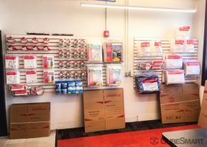 CubeSmart Self Storage - Pittsburgh - 6400 Hamilton Avenue - Photo 7