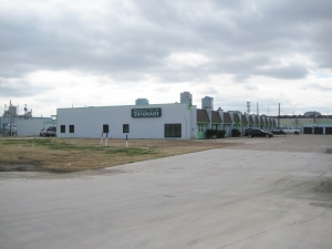 Image of Great Value Storage - Fort Worth, I-35 North Facility on 613 North Fwy  in Fort Worth, TX - View 2