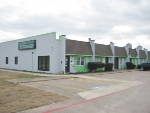 Image of Great Value Storage - Fort Worth, I-35 North Facility at 613 North Fwy  Fort Worth, TX