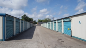 Image of Inwood Storage Facility on 8235 Antoine Drive  in Houston, TX - View 2