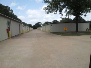 Lonestar Self Storage - Photo 2